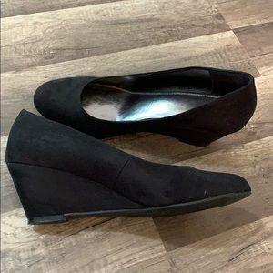 Avenue - Black Suede Wedges size 11W